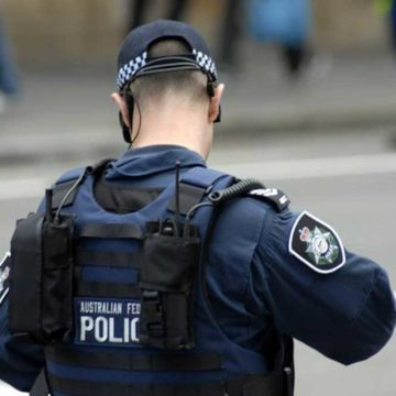 Man arrested after bomb squad negotiations in Western Sydney