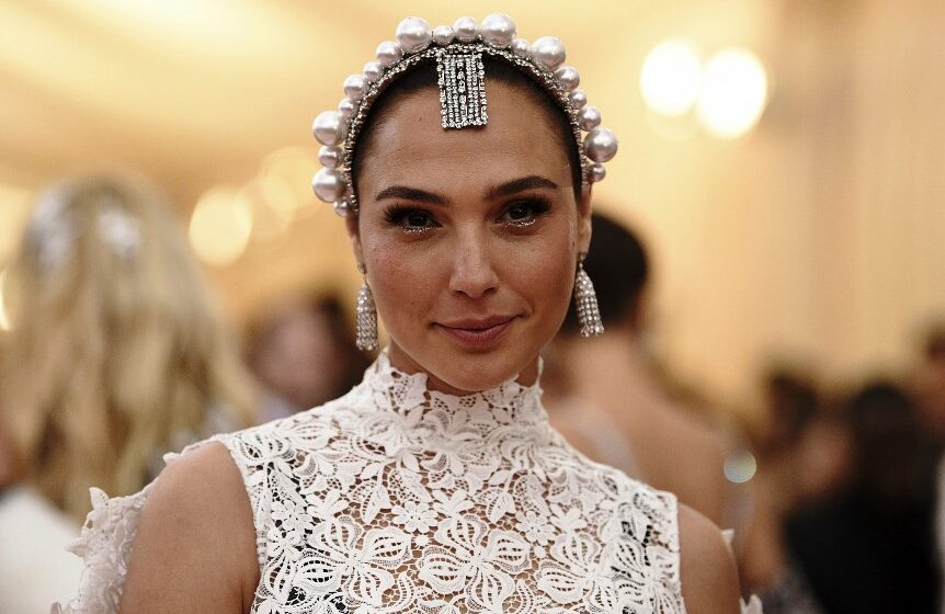 Gal Gadot starring in new 'Cleopatra' draws backlash