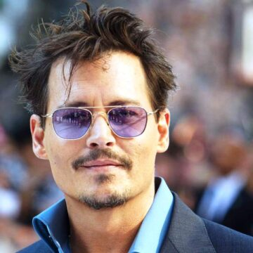 Johnny Depp posts holiday message to fans amid new legal fight