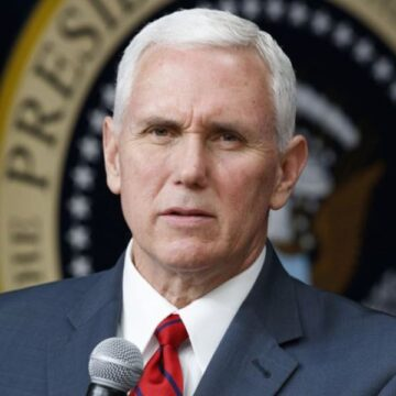 US Democrats give VP Mike Pence ultimatum to remove Trump from White House