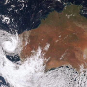 Tropical Cyclone Seroja wreaks havoc along WA's mid north coast, rips apart historic One Mile Jetty