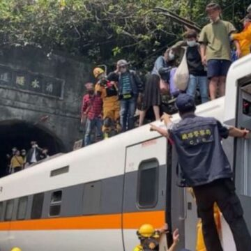 Dozens killed as train crashes and derails in Taiwan tunnel
