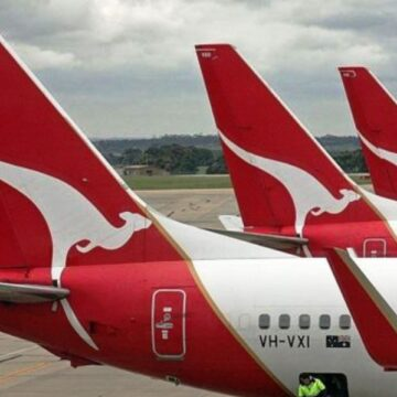 Qantas eyes vaccines for overseas flights