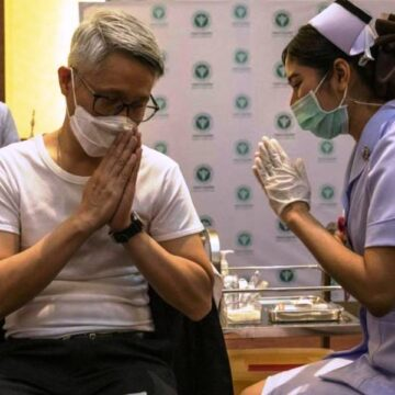 Thailand decides to mix jabs as Covid cases spike